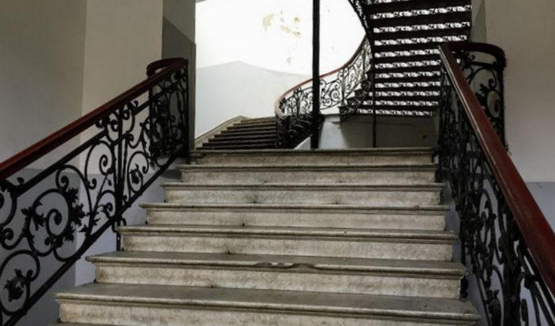 Лестницы доходного дома в Тбилиси