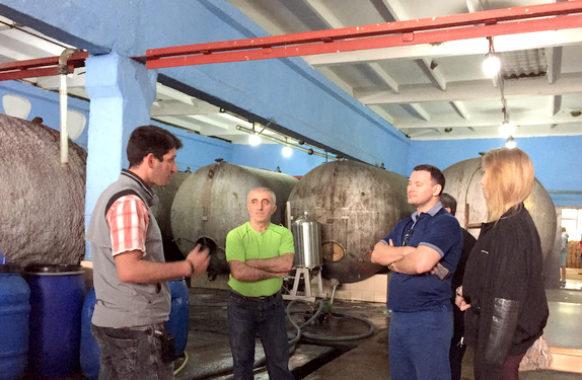 На производстве Греми в Кахетии