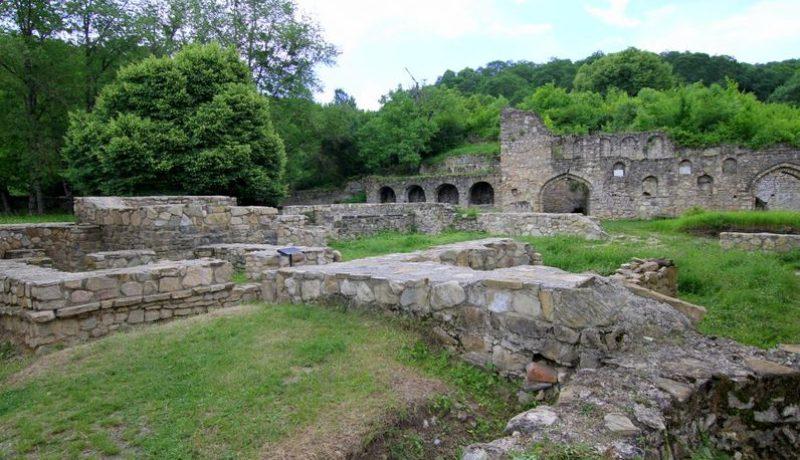 На территории монастыря Икалто