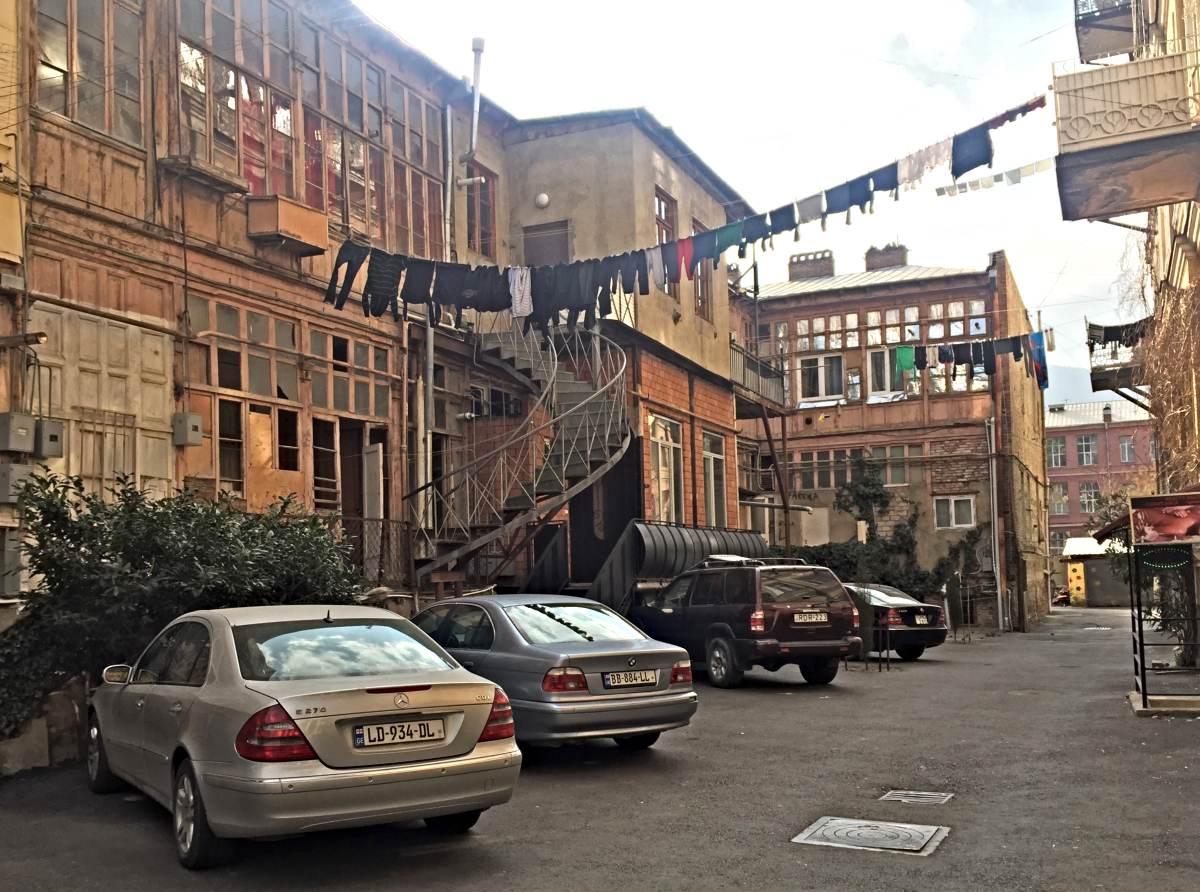 дворики и дворы Тбилиси